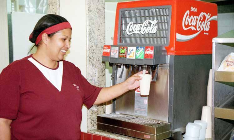 Câmara aprova projeto que proíbe venda de refrigerantes em escolas