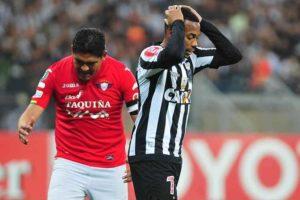 Atlético dá mais um vexame, fica no empate sem gols e é eliminado da Libertadores