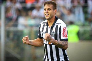 Rafael Moura quer renovar com o Atlético e encerrar a carreira no clube com títulos