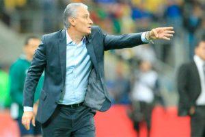 Tite cita lateral Diogo Barbosa, do Cruzeiro, como opção para lugar de Marcelo