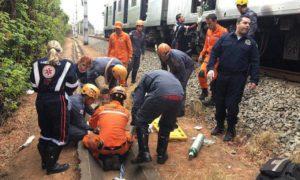 Adolescente perde parte do pé em acidente na linha do metrô em BH