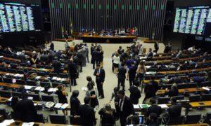 Reforma política volta para a pauta da Câmara nesta terça-feira