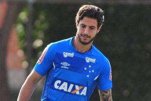 Hudson comenta especulações sobre futuro e diz que quer ficar no Cruzeiro em 2018