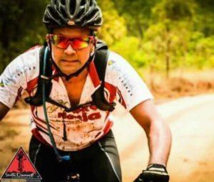 Ciclistas fazem 'bikeata' em homenagem a psicólogo Tiago Bicalho
