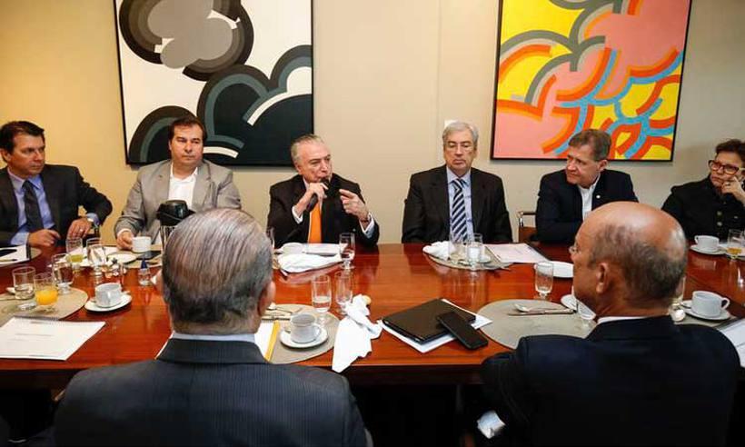 Governo planeja fatiar em vários projetos reforma da Previdência