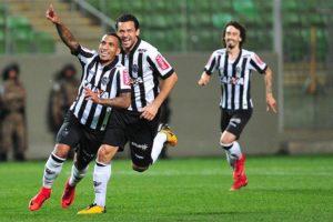 Atlético goleia o Coritiba, fica a dois pontos do G7 e aumenta sonho de Libertadores