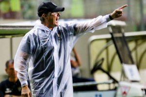 Desde a chegada de Oswaldo Oliveira, Atlético 'lidera' o Campeonato Brasileiro