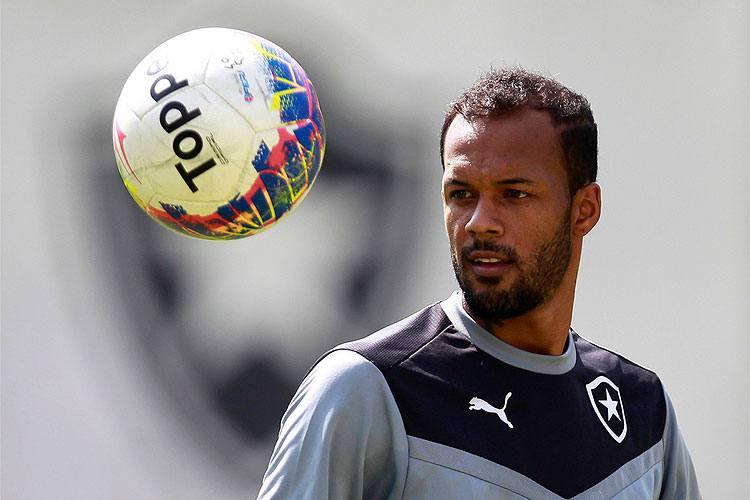 Itair Machado diz que Bruno Silva será jogador do Cruzeiro e revela nova oferta para comprar volante Hudson ao São Paulo