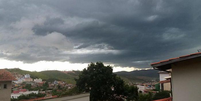 Instituto Nacional de Meteorologia emite alerta de perigo nesta sexta-feira em Itabira e Região