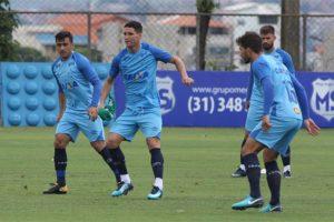 Com Thiago Neves em campo, Cruzeiro inicia preparação para jogo contra Boa Esporte