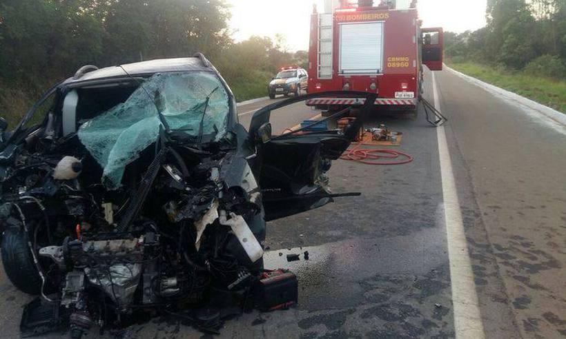 Batida entre três carros deixa um morto e três feridos no Sul de Minas