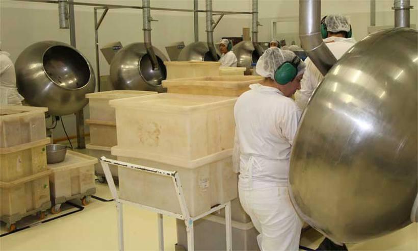 Produção industrial cai 2,4% em janeiro, se comparado com dezembro de 2017