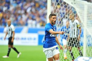 Cruzeiro vence Atlético, faz as pazes com a torcida e conquista Campeonato Mineiro
