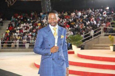 Zimbábue proíbe pregação da prosperidade na TV