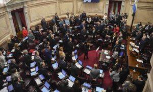 Senado da Argentina rejeita projeto para legalizar aborto