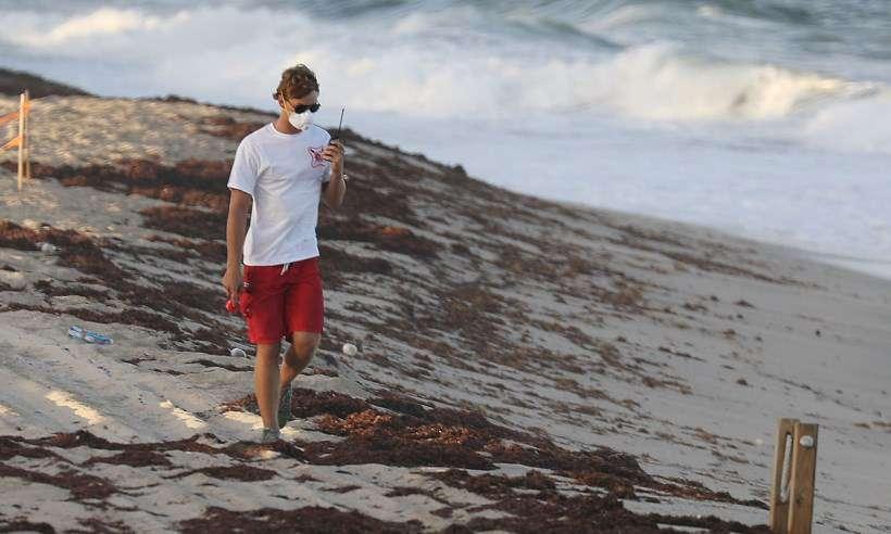 'Maré vermelha' chega às praias de Miami