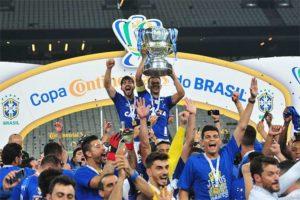 É hexa! Cruzeiro se impõe em Itaquera, vence Corinthians e conquista a Copa do Brasil