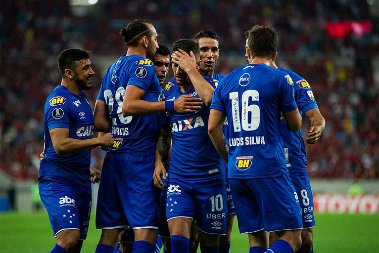 Cruzeiro busca renovações de contrato para manter base campeã da Copa do Brasil
