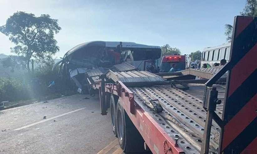 Acidente deixa cinco feridos na BR-040, em Conselheiro Lafaiete