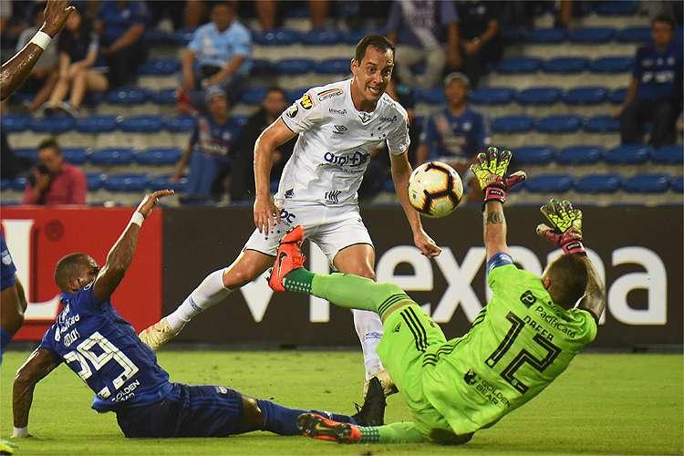 Cruzeiro torce por tropeço do Libertad para manter melhor campanha da Libertadores