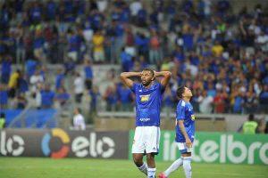Cruzeiro dá vexame no Mineirão, perde para o CRB e fica em situação crítica na Copa do Brasil